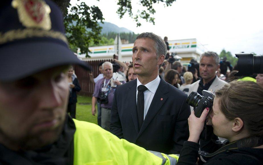 Le premier ministre norvégien Jens Stoltenberg a rencontré des victimes de la fusillade et des membres de leur famille samedi en matinée. | 23 juillet 2011
