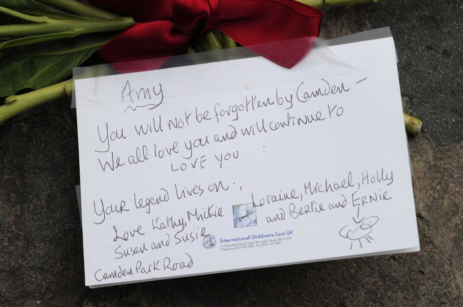 Message d'amour à une star qui aura traversé le ciel un peu trop vite... (Photo Reuters)