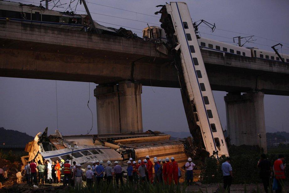 Un TGV s'est retrouvé immobilisé samedi sur la... (Photo: Reuters)