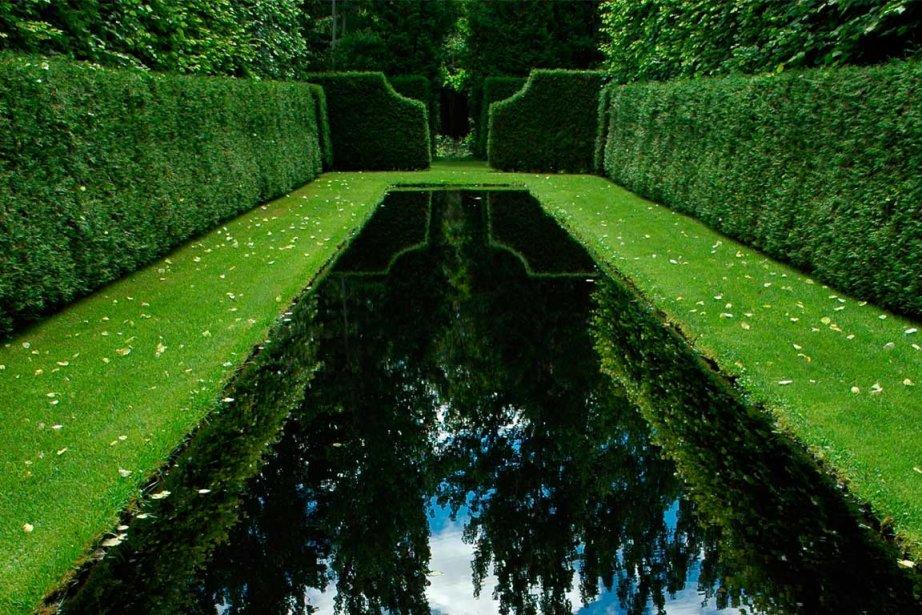 Bassins de r flexion miroir miroir lucie lavigne cour for Jardin quatre vents