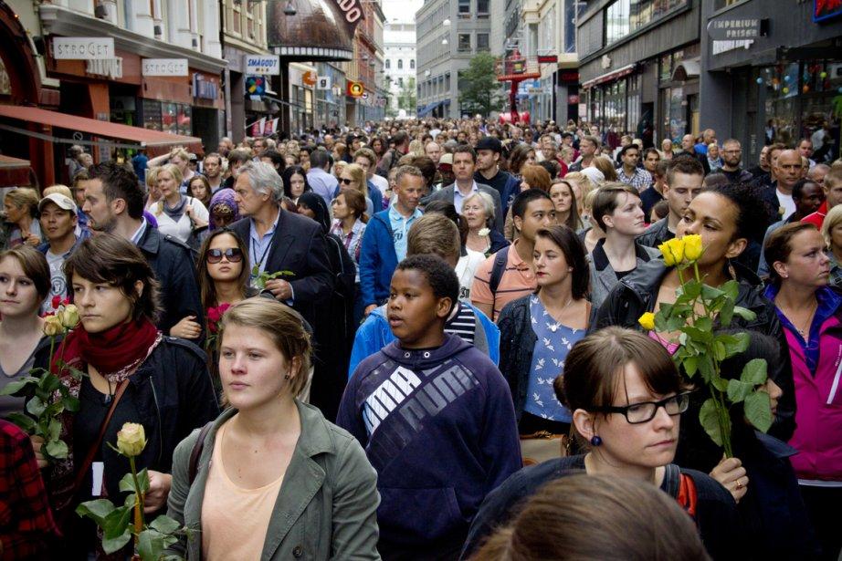 Plus de 150 000 Norvégiens sont descendus dans les rues... | 2011-07-26 00:00:00.000