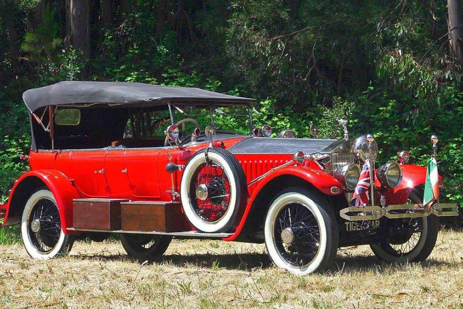 La Rolls-Royce de 1925 et sa remorque équipée... (Photo: AFP)