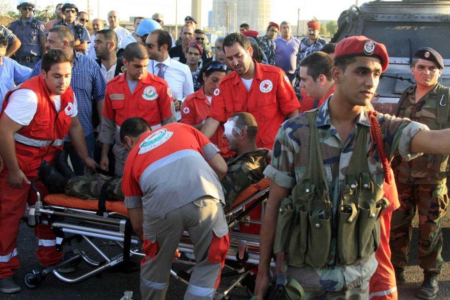 L'explosion a fait six blessés parmi les militaires... (Photo Associated Press)