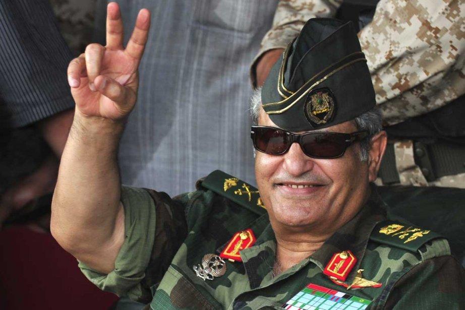Le chef des forces rebelles Abdel Fattah Younes... (Photo: Reuters)