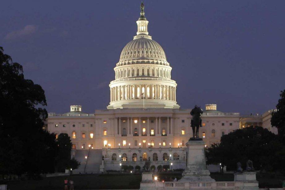 Le président Barack Obama a salué la baisse... (Photo Associated Press)