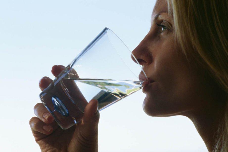 «Buvez 8 verres d'eau par jour pour rester en bonne santé!»Qui... (Photos.com)