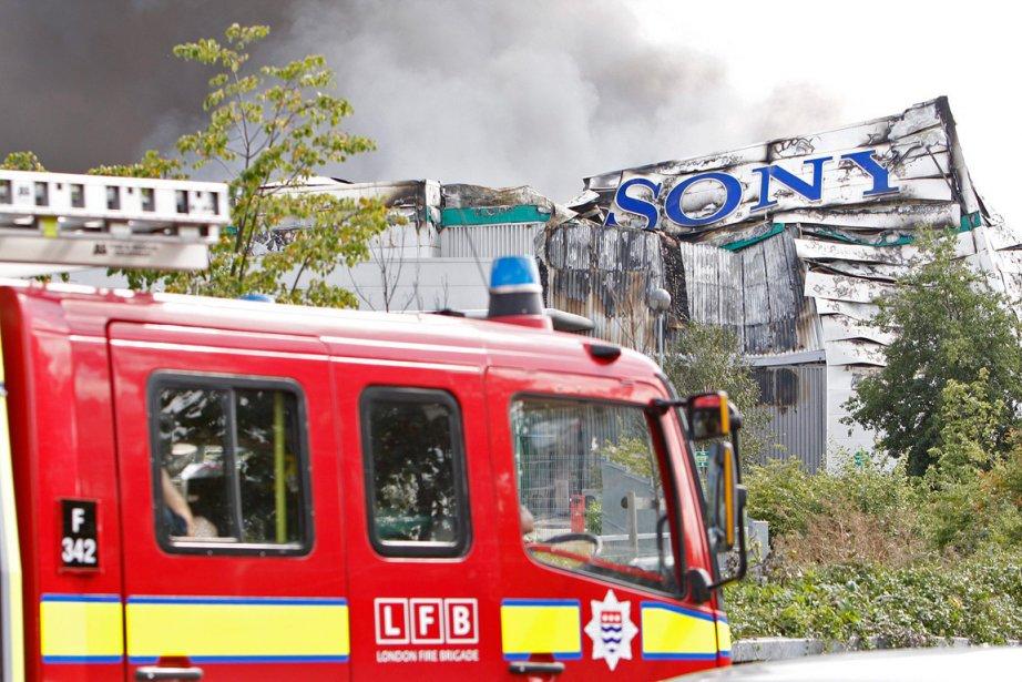 Un centre de distribution a été complètement détruit... (Photo: AP)