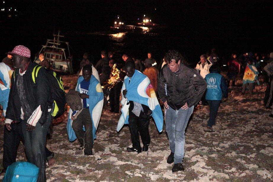 Des milliers de personnes fuyant la Libye, pour... (Photo: AP)