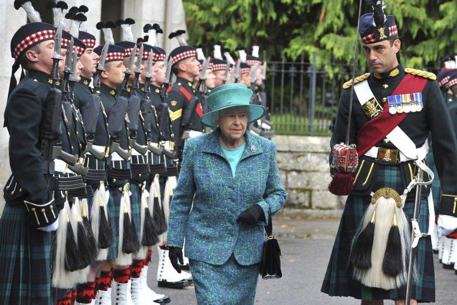 La reine elizabeth ii cherche un jardinier insolite for Cherche jardinier toulouse