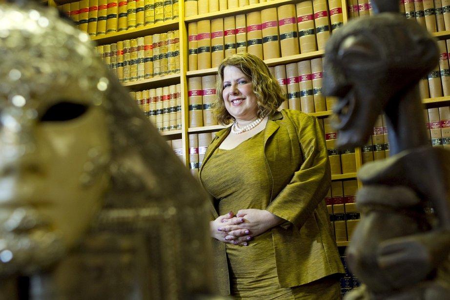 Me Anne-France Goldwater, photographiée dans son bureau, est... (Photo: Alain Roberge, La Presse)