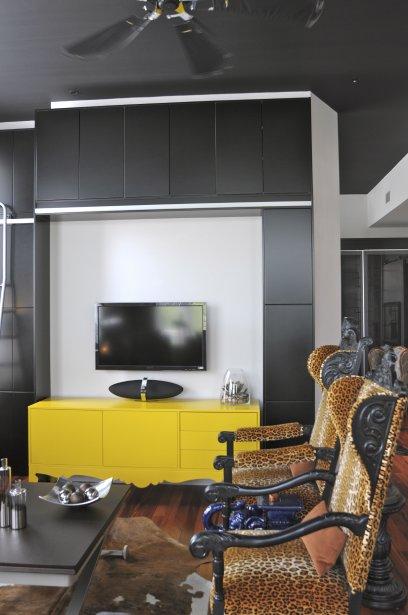 408 x. Black Bedroom Furniture Sets. Home Design Ideas