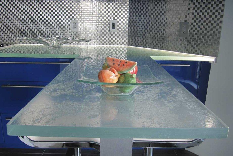 Lots et tables en verre dans la cuisine marie france l ger design - Table cuisine en verre ...