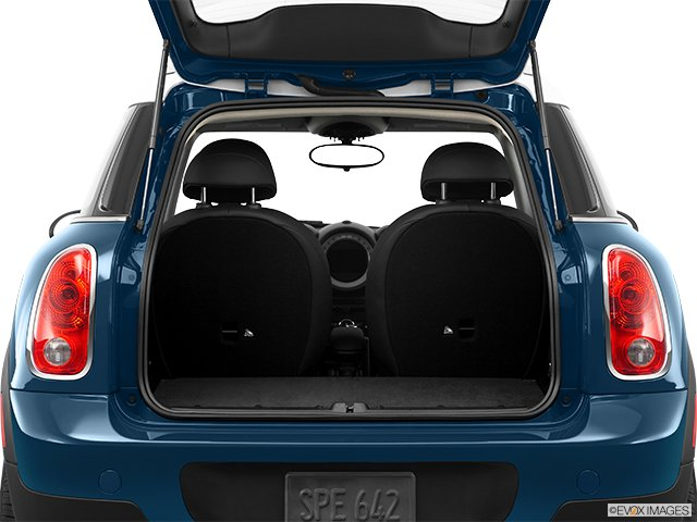 mini cooper countryman 2011 trop adulte pour une mini mini. Black Bedroom Furniture Sets. Home Design Ideas