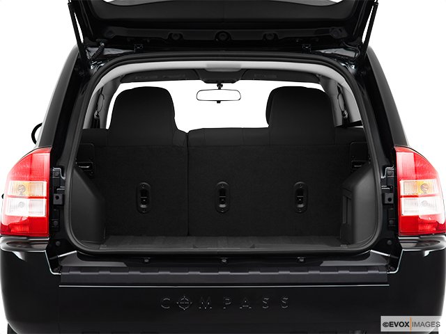 jeep compass 2010 avoir le compass dans l 39 oeil jeep. Black Bedroom Furniture Sets. Home Design Ideas