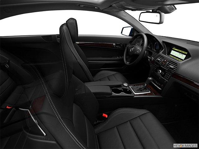 Mercedes-Benz - Classe-E 2011: Le soleil brille pour tout le monde - Coupé 2 portes 3,5 L à traction arrière - Habitacle (Evox)