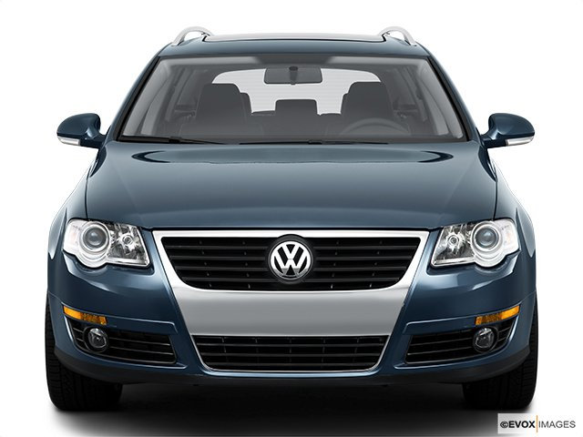 volkswagen familiale passat 2010 en robe de soir e volkswagen. Black Bedroom Furniture Sets. Home Design Ideas