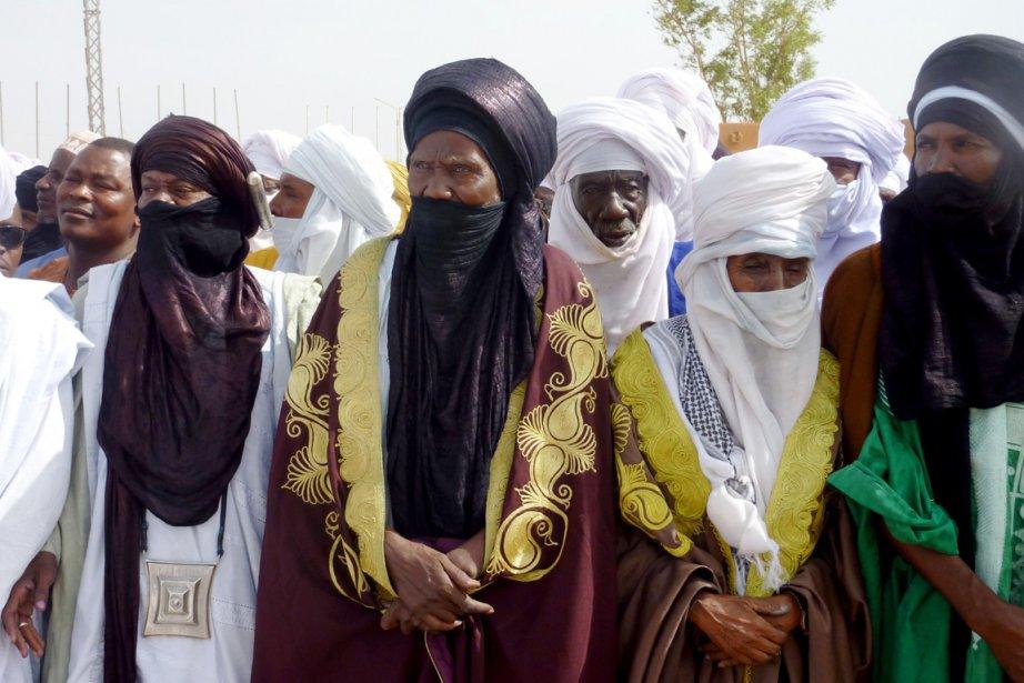 Environ 300 personnes, surtout des Touareg maliens et... (Photo: Boureima Hama, AFP)