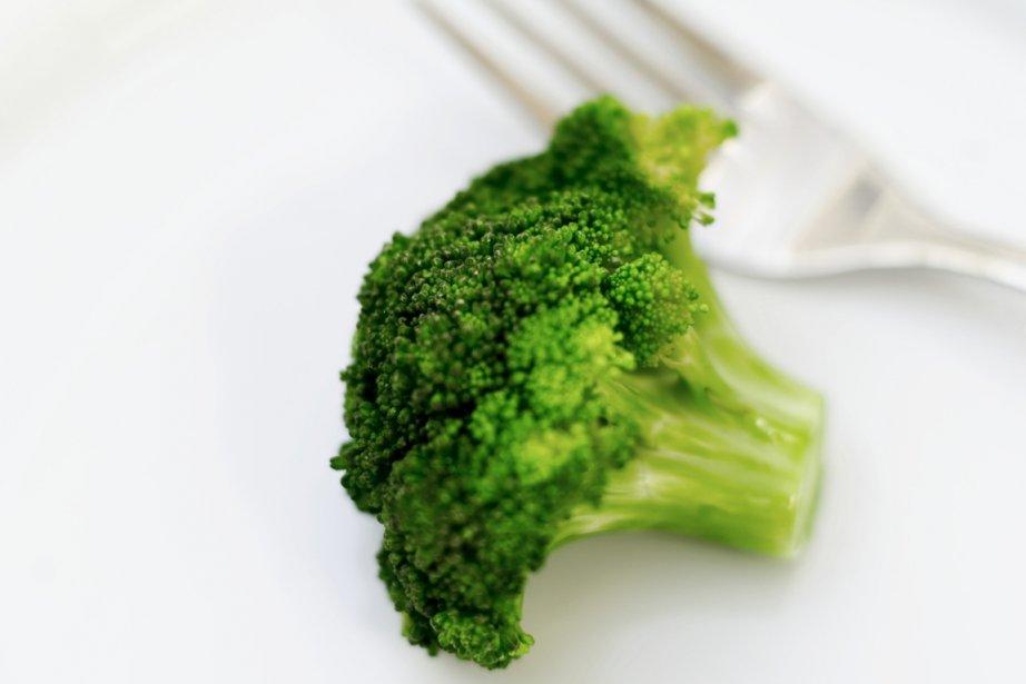 On présente souvent le brocoli ou la myrtille comme des aliments... (Photos.com)