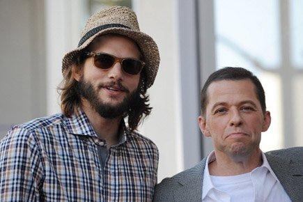 JonCryeraux côtés de son nouveau collègue de Two... (Photo: AFP)