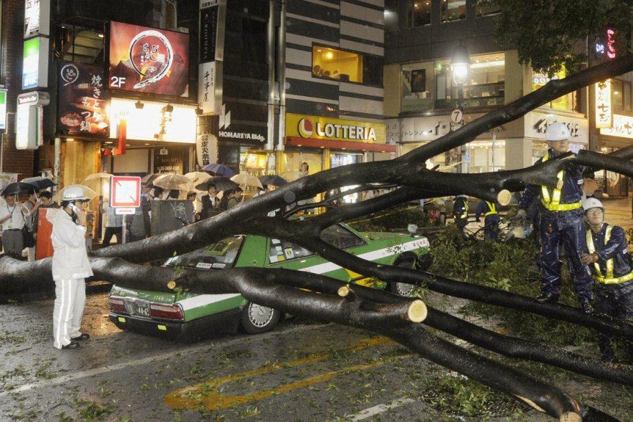 À Tokyo, des coupures de courant ont été... (Photo: Reuters)
