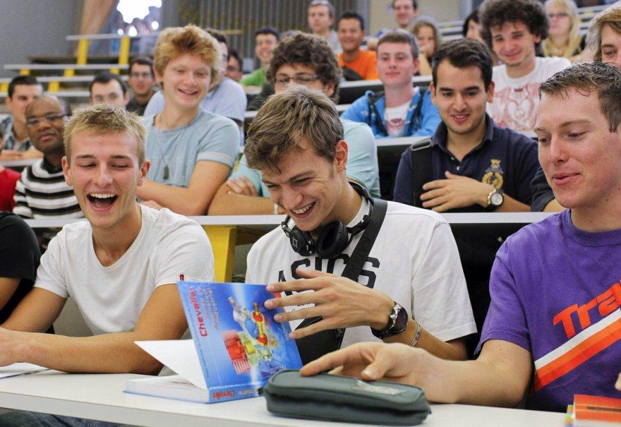 Le passage du cégep à l'université n'est pas... (Photo Reuters)