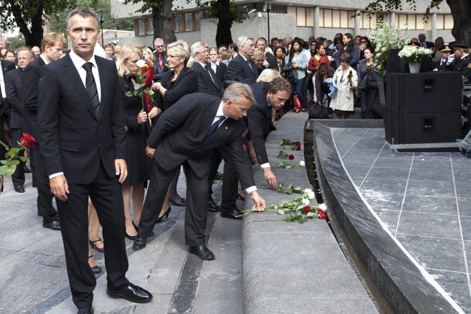 Le premier ministre norvégien Jens Stoltenberg (à gauche)... (Photo: Holm Morten, Archives AP)