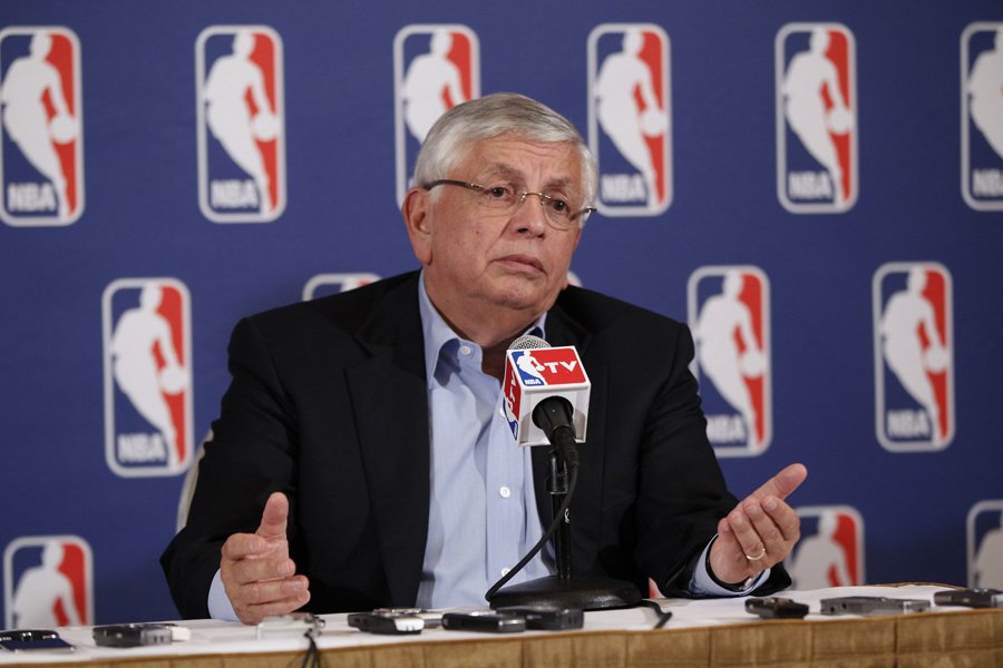 Le commissaire de la NBA David Stern a... (Photo: Reuters)