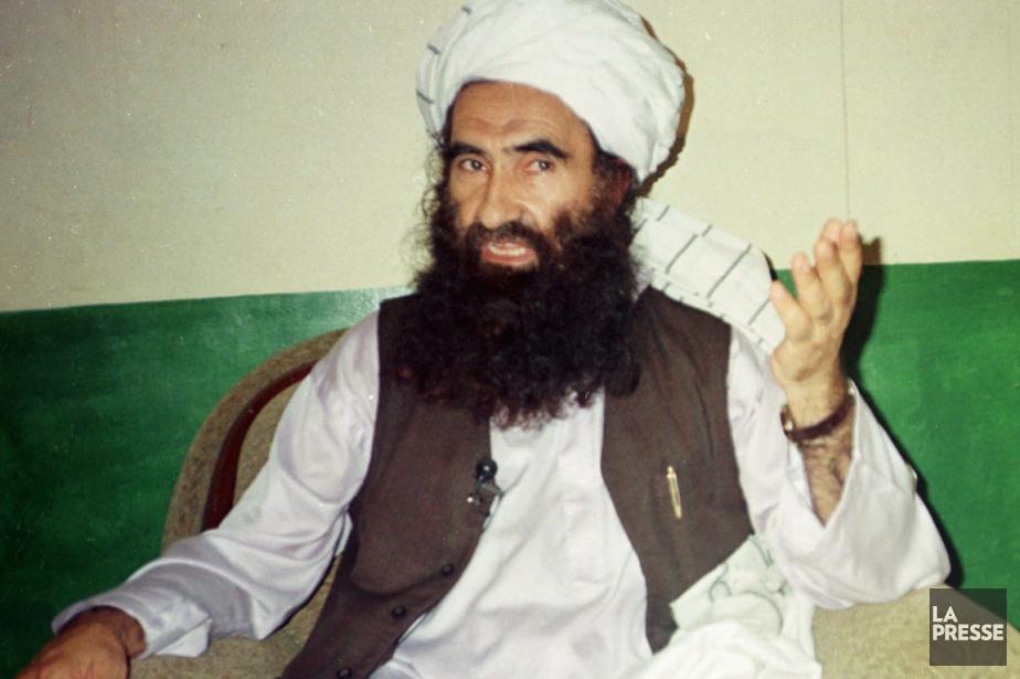 Sur cette photo datant de 1998, Jalaluddin Haqqani,... (Photo d'archives AP)
