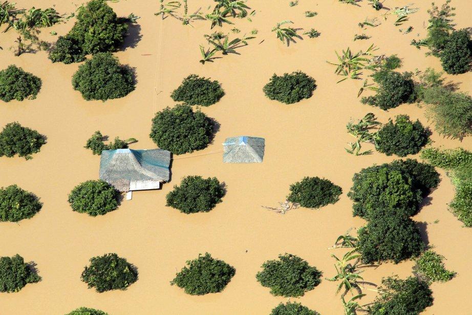 Deux typhons ont balayé l'archipel des Philippines en...