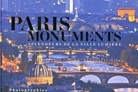 Couverture du livre Paris monuments... (Photo: La Presse)