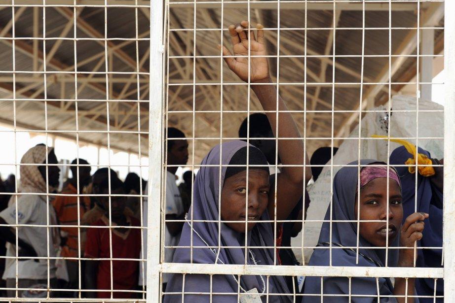 Des réfugiées somaliennes font la file d'attente pour... (PhotoJonathan Ernst, Reuters)
