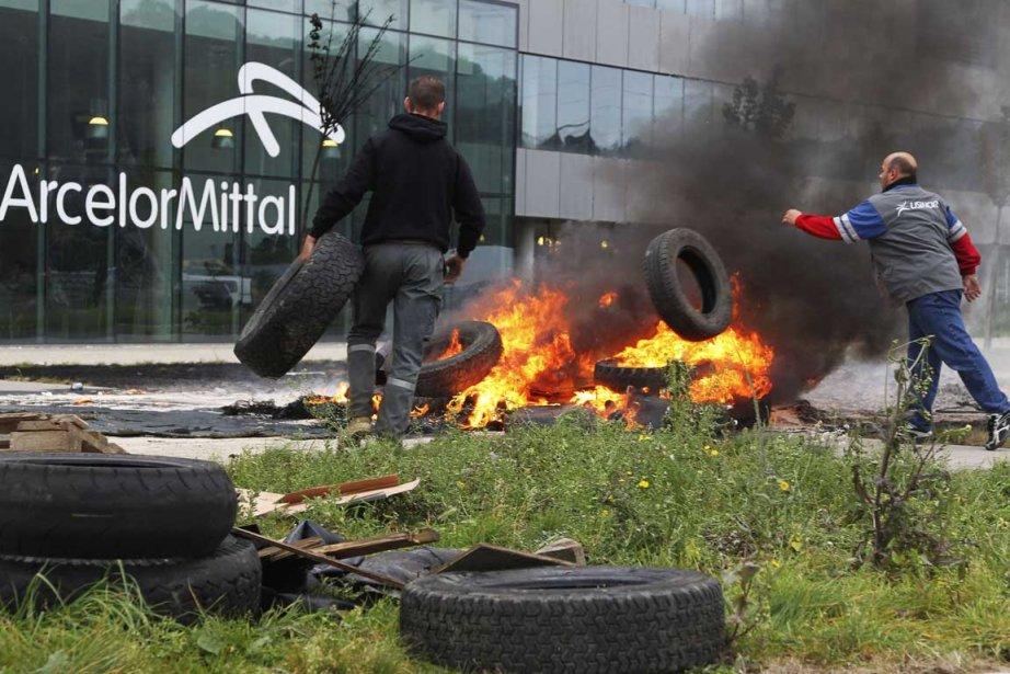 Grabuge devant les installations d'ArcelorMittal à Liège.... (Photo AFP)