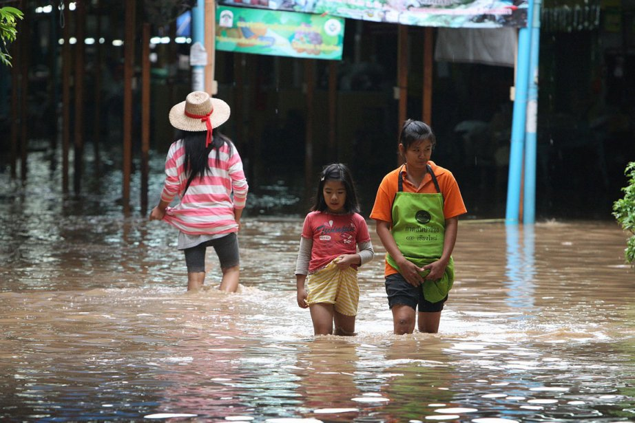 Des résidantes de la ville de Chiang Mai,... (Photo: AFP)