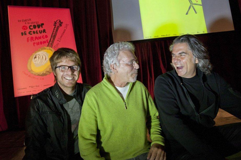 Les auteurs-composteurs-interprètes Vincent Vallières et Richard Séguin entourent... (Photo: Ivanoh Demers, La Presse)
