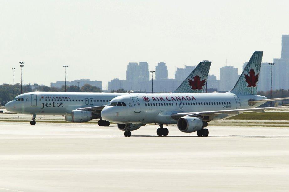 Des avions d'Air Canada à l'aéroport Pearson, de... (Photo archives La Presse Canadienne)