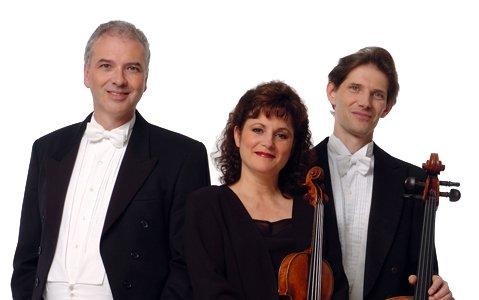 De gauche à droite: Stéphane Lemelin (piano), Anne... (Photo tirée du site internet de Trio Hochelaga)