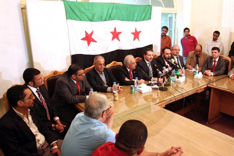 Les membres du Consel national syrien ont tenu... (Photo: AFP)