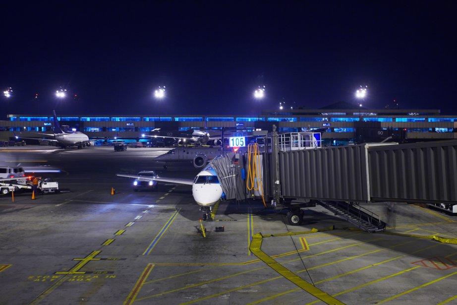 Les vols de nuit vont être provisoirement interdits à l'aéroport... (Photos.com)