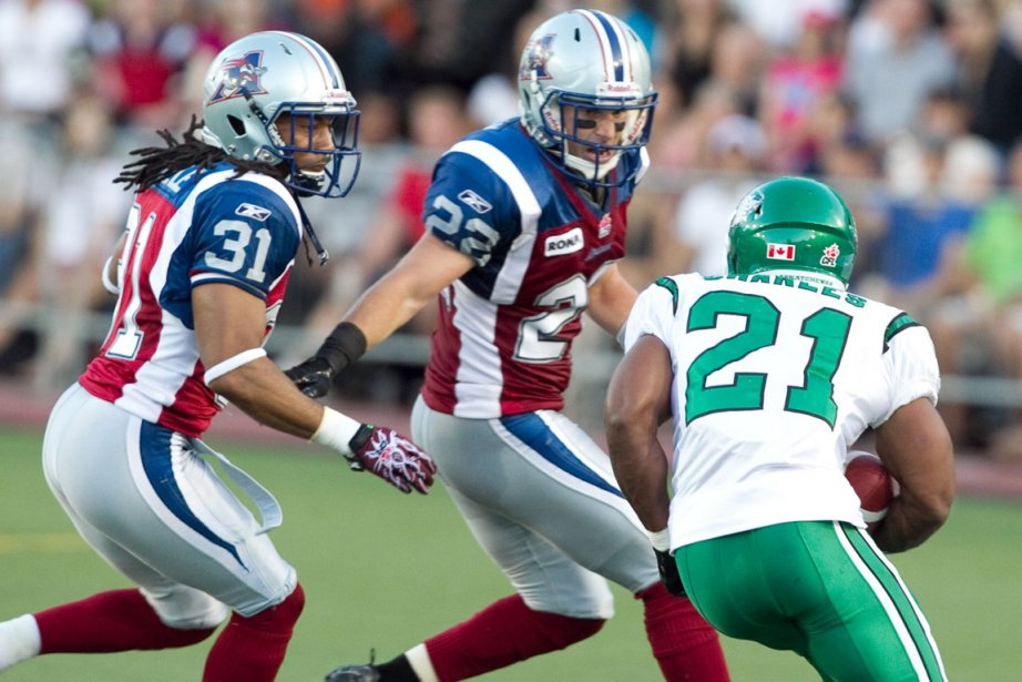 Hugh Charles des Roughriders est attendu par Tim... (Photo: Hugo-Sebastien Aubert, La Presse)