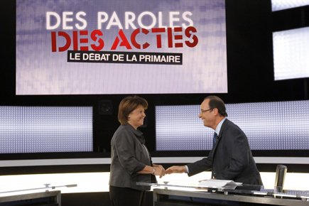 Devancée de 9 points par François Hollande au... (Photo: AFP)
