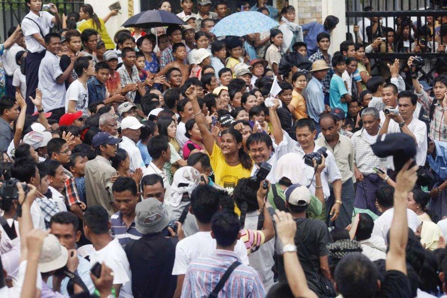 Mercredi, environ 200 des quelque 2000 prisonniers politiques... (Photo: Soe Zeya Tun, Reuters)