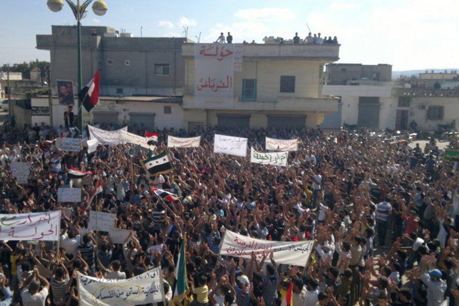 Manifestation contre le président Bachar al-Assad vendredi dans... (Photo Reuters)