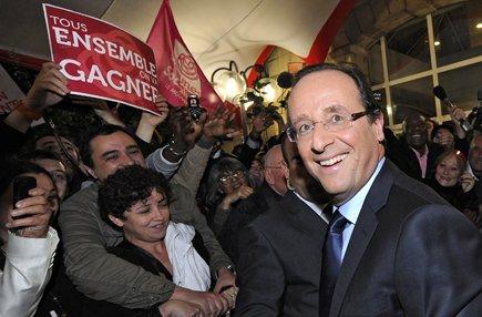 Francois Hollande a tendu la main à sa... (Photo: Reuters)