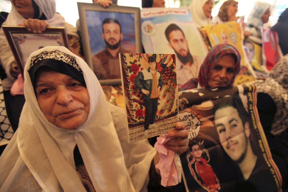 Des femmes palestiniennes ont appelé à la libération... (Photo: Reuters)