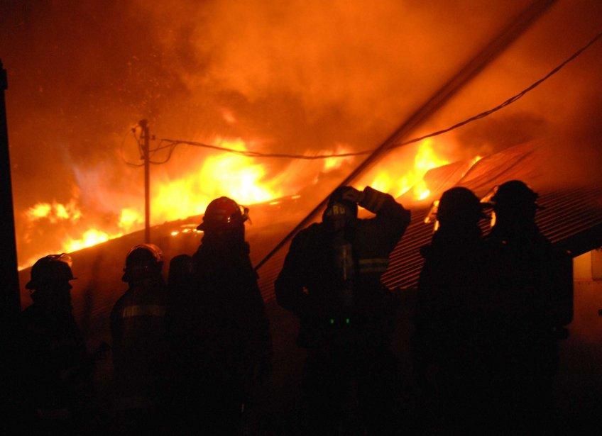 L'abattoir de Champlain a été détruit par les flammes dans... | 2011-10-17 00:00:00.000