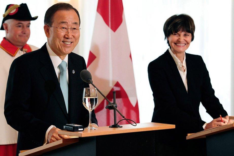 La présidente de la Fédération Suisse, Micheline Calmy-Rey,... (Photo: AP)