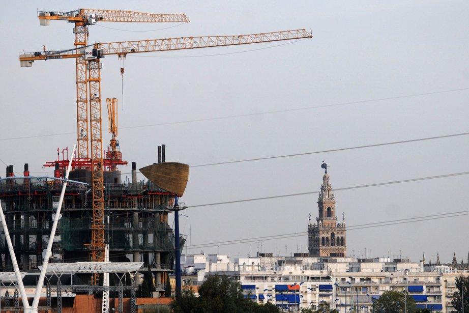 Le projet d'une immense tour vitrée dominant Séville... (Photo: AFP)