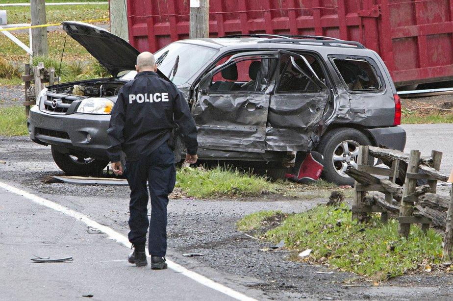La collision impliquant une voiture et une camionnette... (Photo: Patrick Sansfaçon, La Presse)