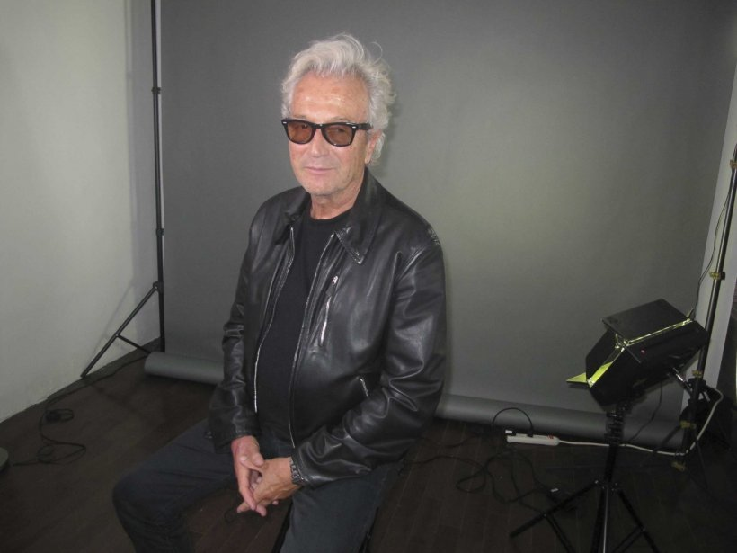 Sur le plateau de tournage de la vidéo d'IFRAD, Luc Plamondon m'a donné des nouvelles à propos de l'album qu'il écrit présentement pour Céline Dion. «J'ai reçu de très belles mélodies de compositeurs connus et je m'amuse à écrire des textes sur mesure pour Céline. Ça faisait longtemps que je n'avais pas écrit de chansons, mais je crois que je suis inspiré puisque j'ai déjà six titres de complétés.» La sortie de ce nouvel album Dion-Plamondon est prévue pour l'automne 2012. | 20 octobre 2011