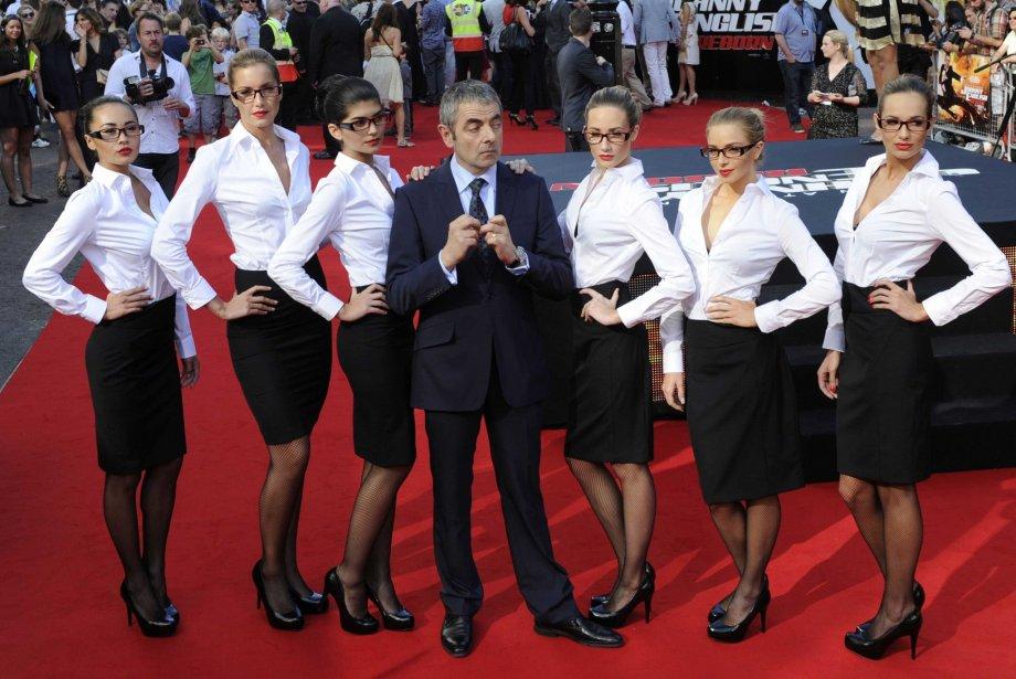 Rowan Atkinson bien entouré... | 27 juillet 2012